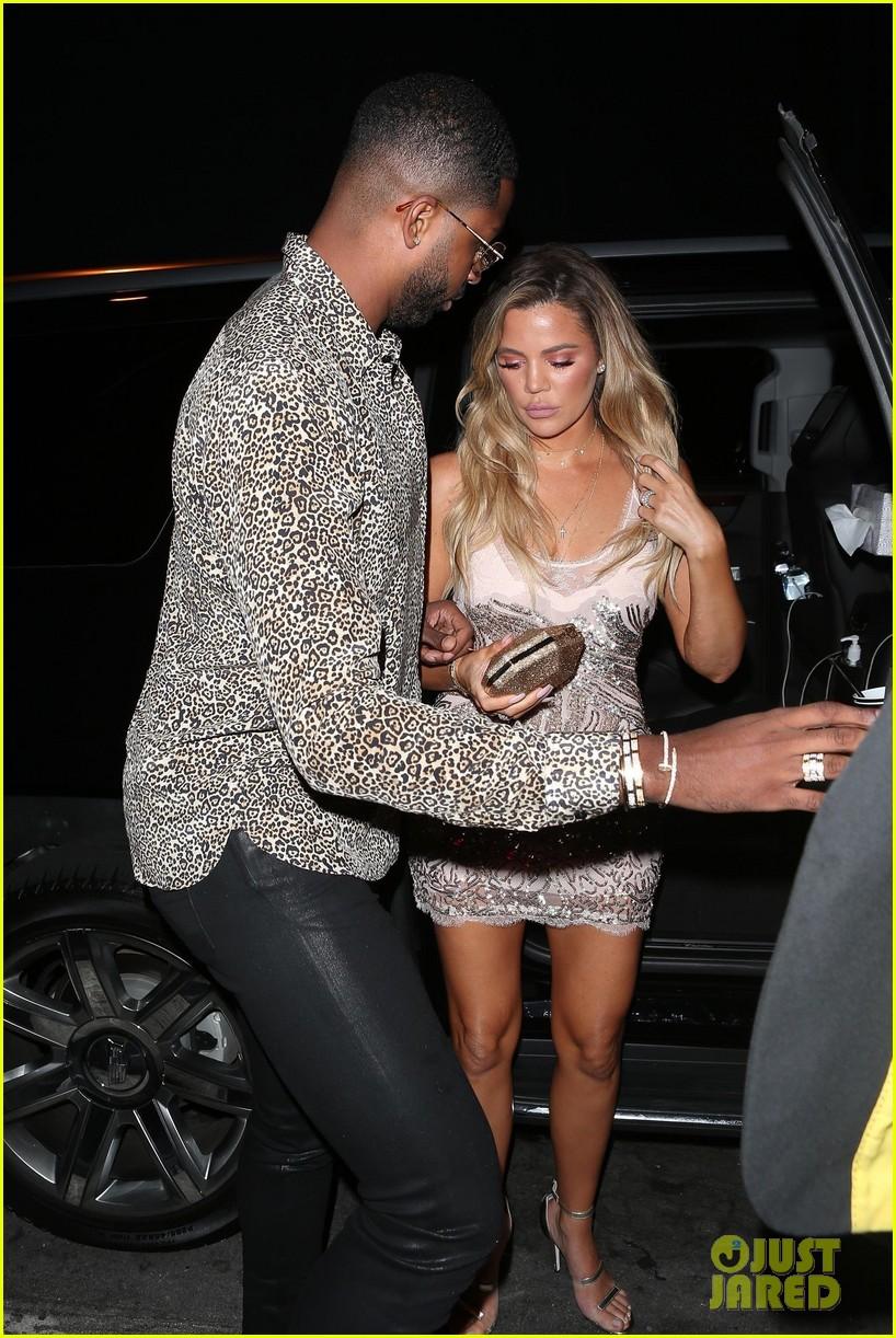 khloe kardashian boyfriend tristan thompson surprise birthday party 403920023