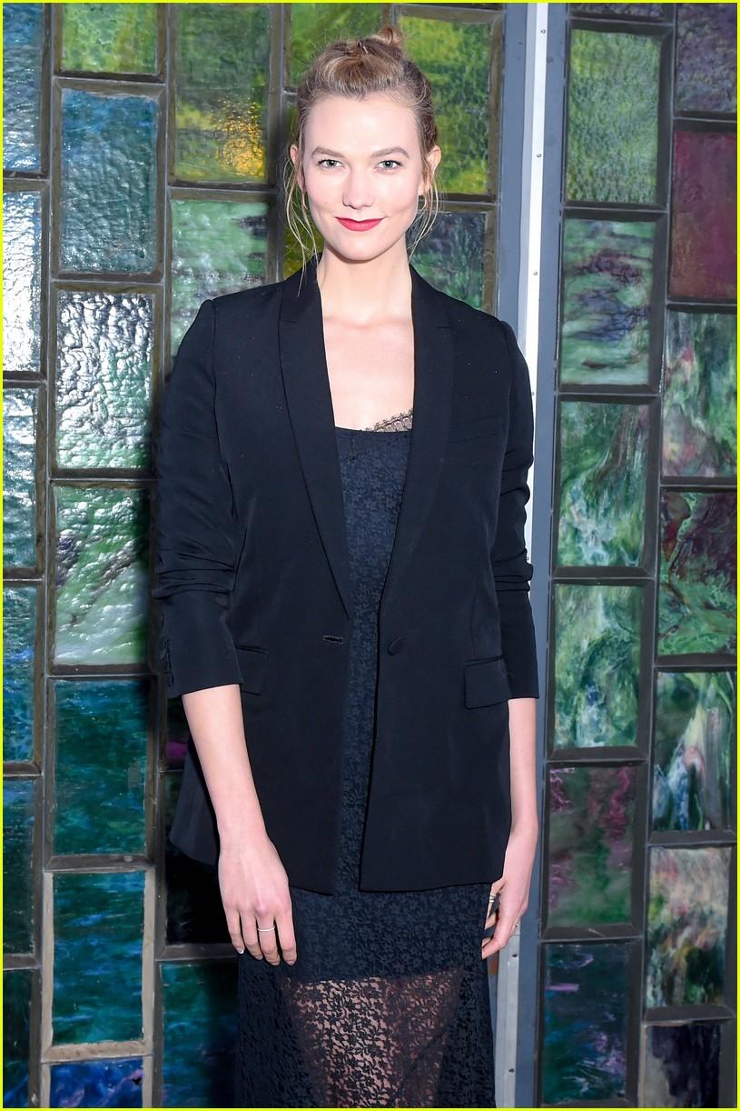 karlie kloss rocks lacy black dress to garage magazine dinner 033910961