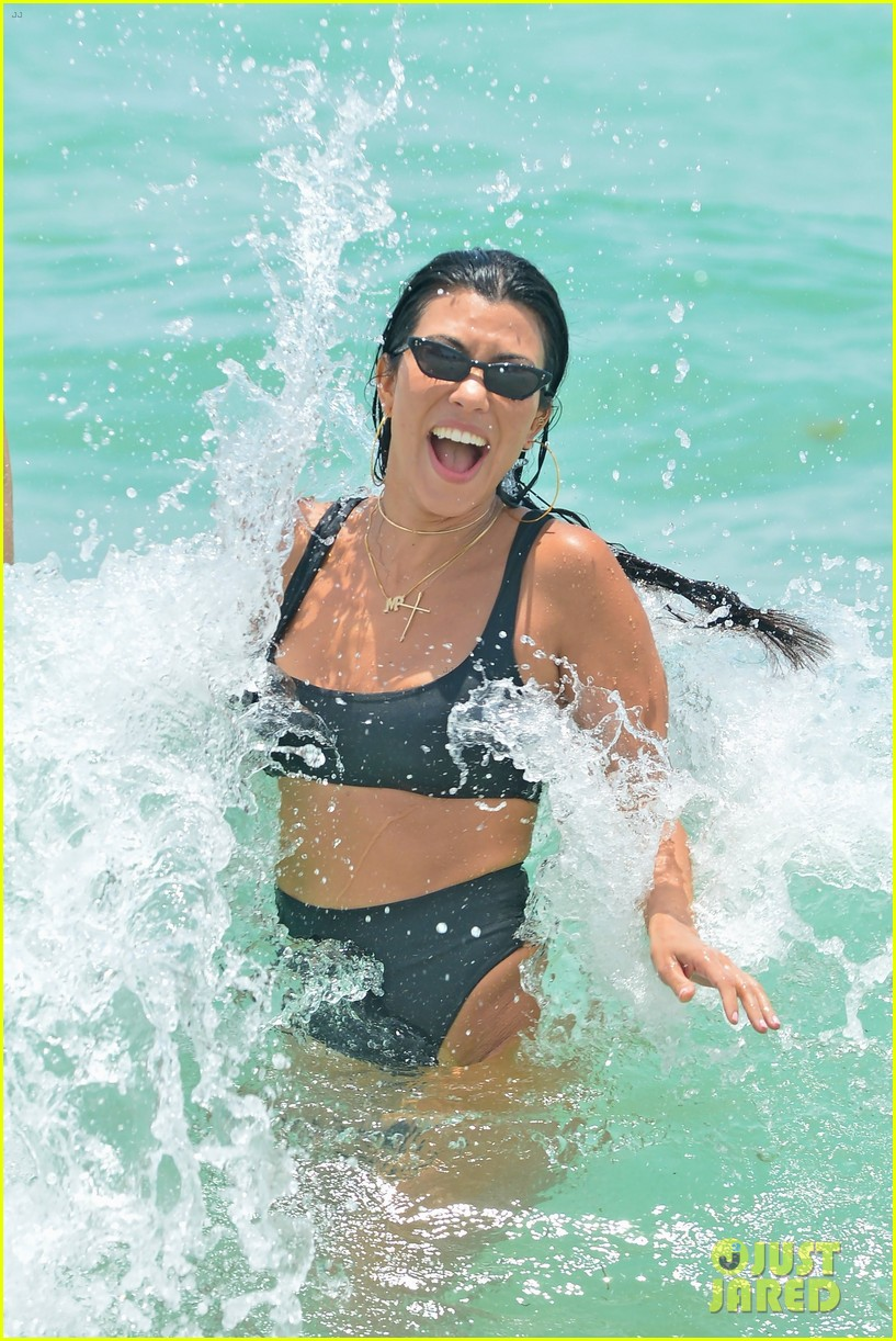 kourtney kardashian miami beach pictures hailey baldwin 023913441