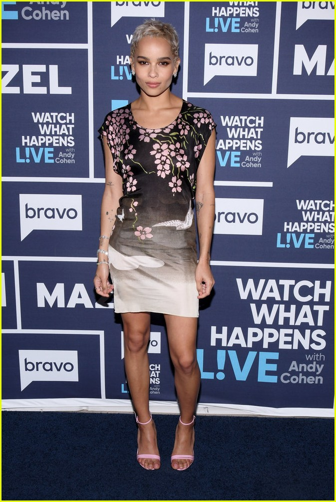 zoe kravitz confirms there was a feud on mad max set 043915335
