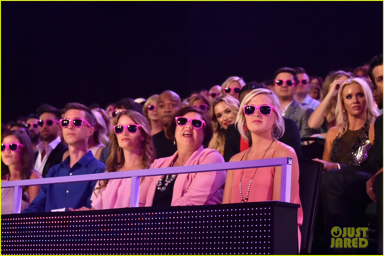 Miranda Lambert Pink Sunglasses Cmt Music Awards David