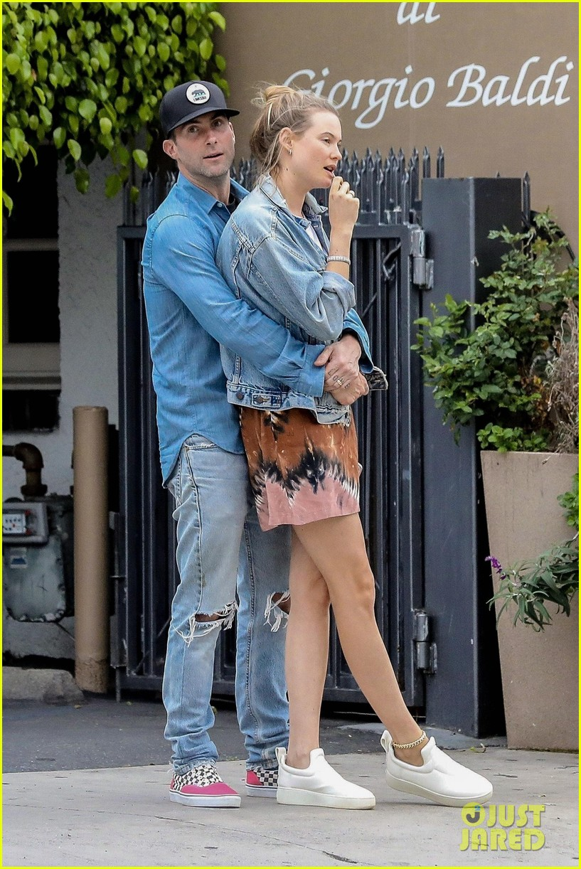 adam levine behati prinsloo flaunt cute pda on date night 403919948
