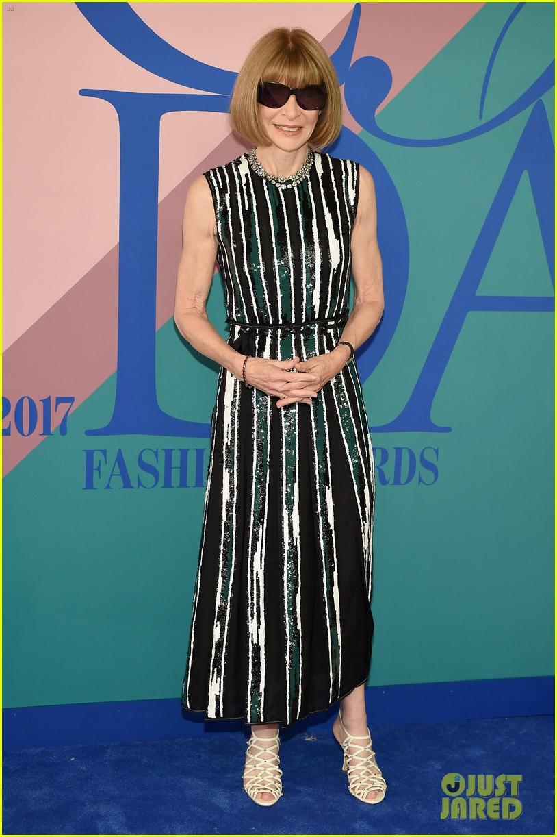 seth meyers makes trump fashion jokes cfda fashion awards 2017 053909762