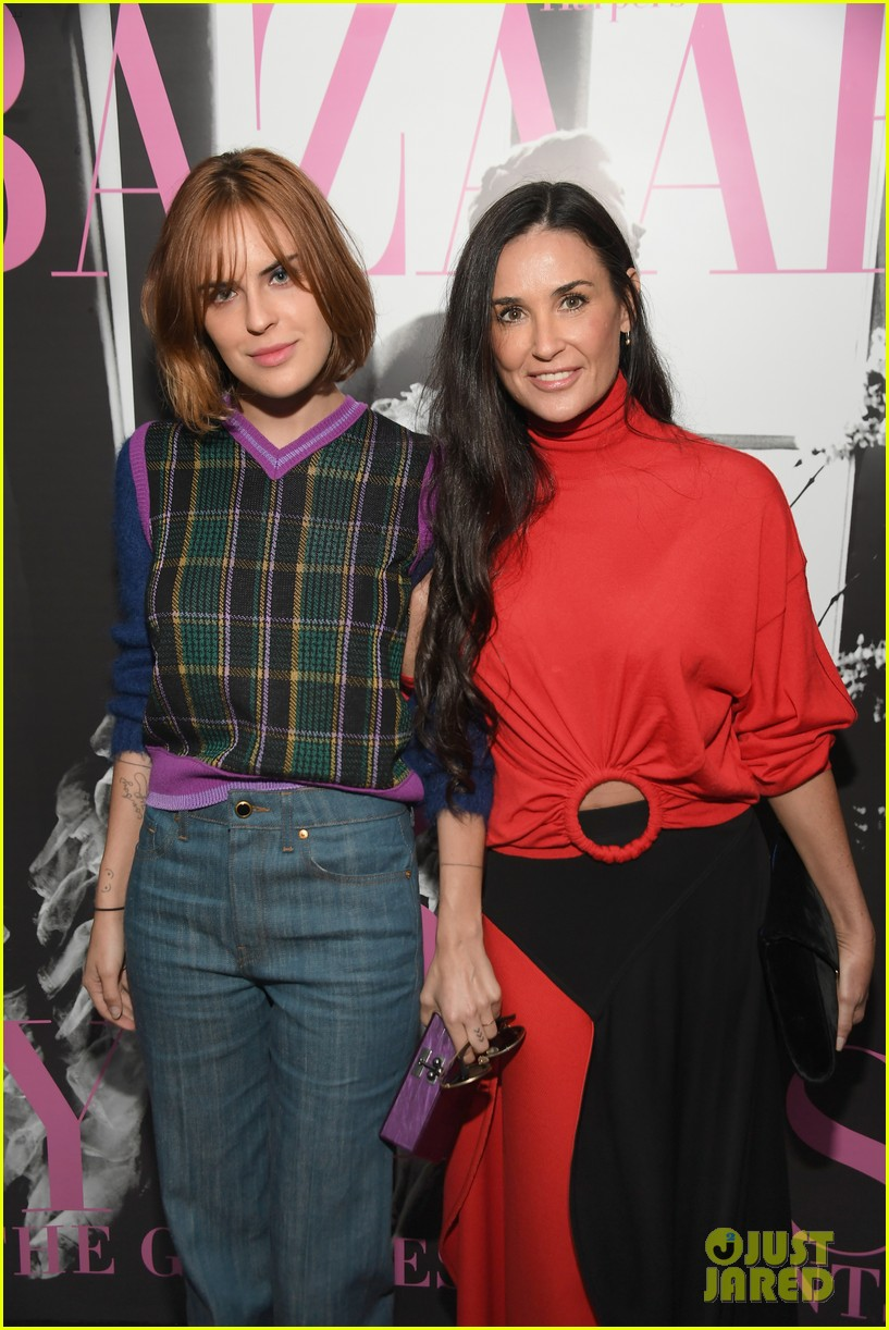 demi moore daughter tallulah joins her for friends book party 023911842