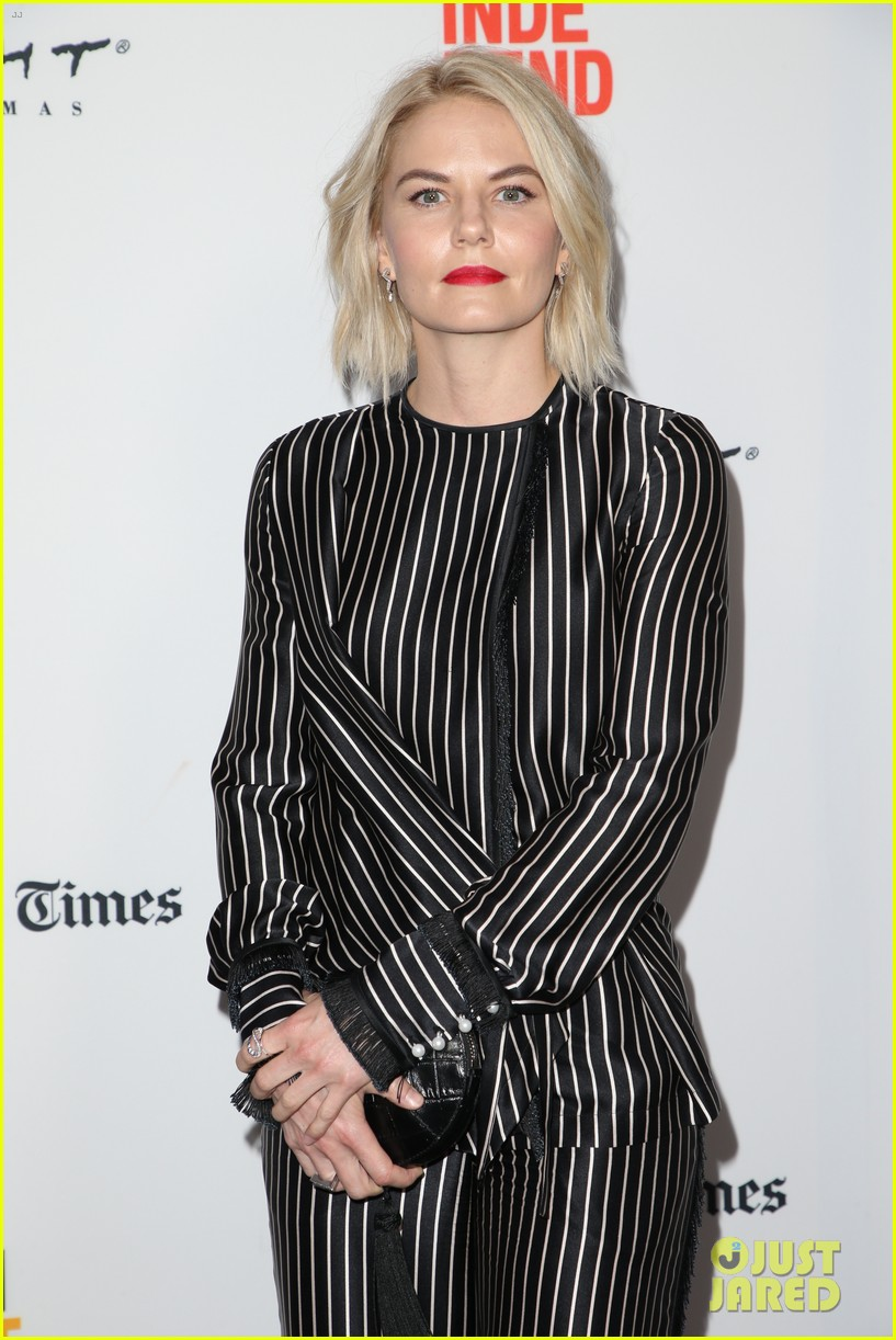 jennifer morrison premieres directorial debut sun dogs at los angeles film fest 143916475
