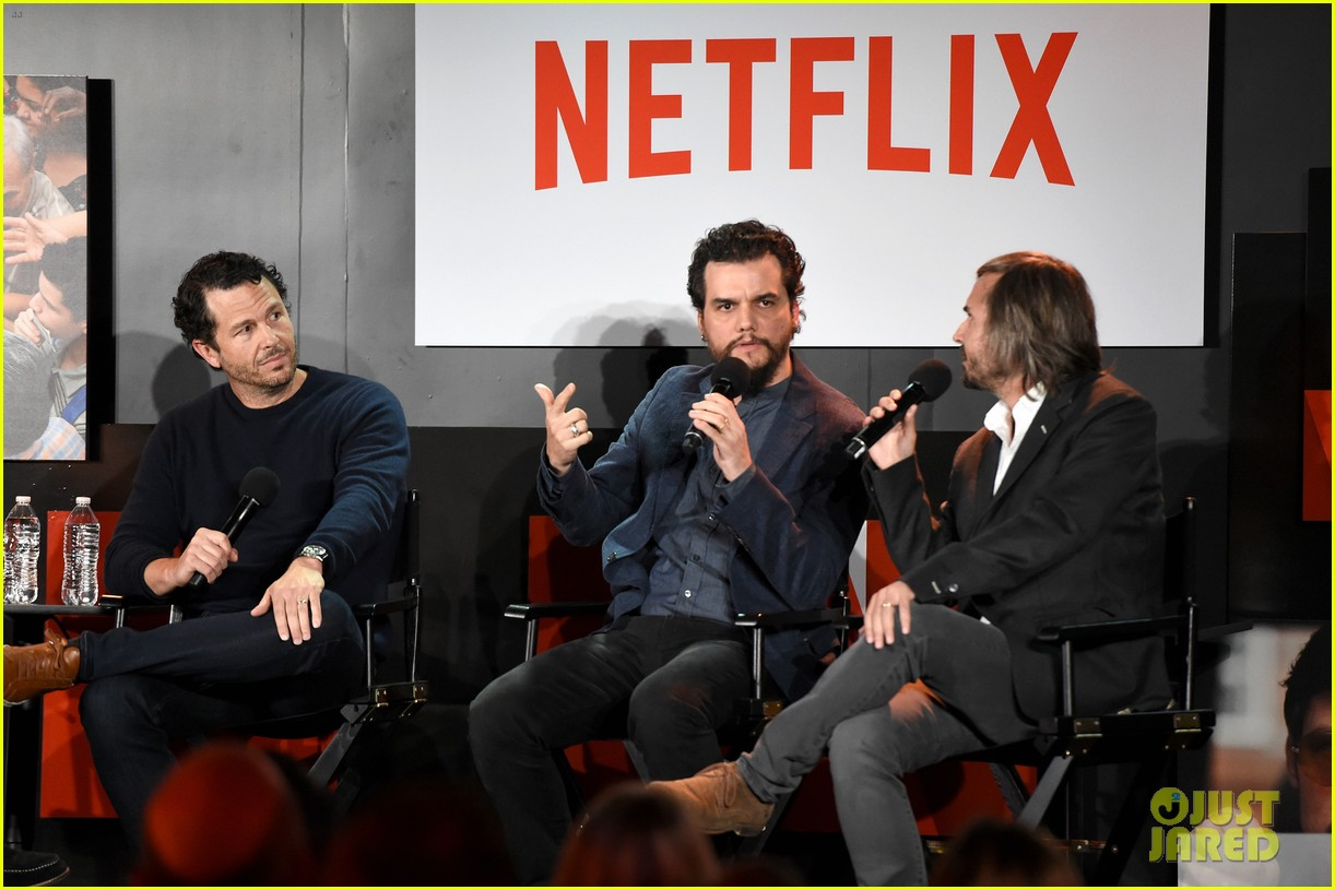 wagner moura had to learn how to speak spanish to play pablo escobar for narcos 033911233