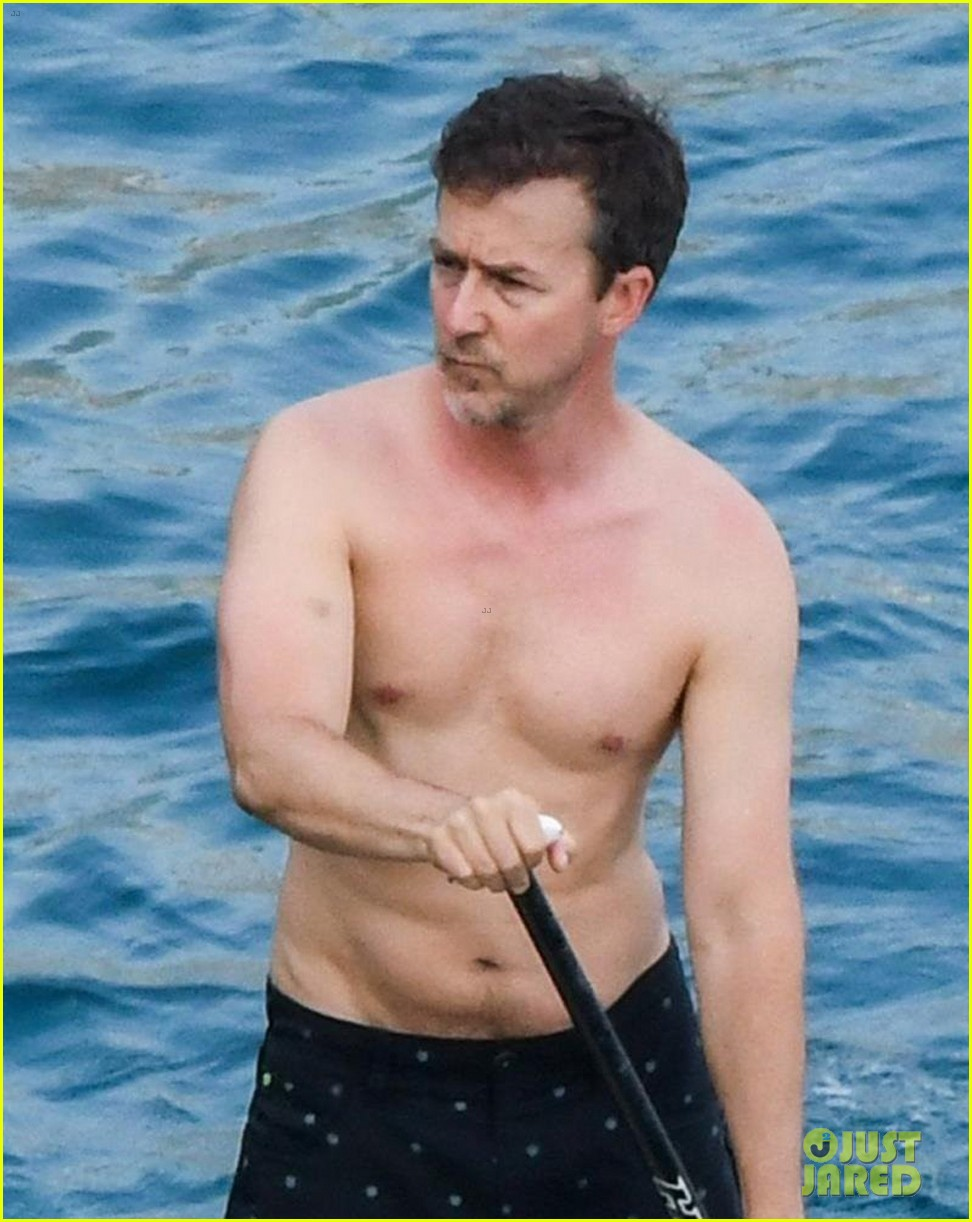 edward norton goes shirtless for paddle boarding in italy 083916496