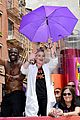 kelly osbourne pees in her pants starbucks 13