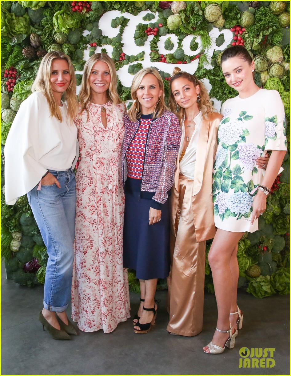 gwyneth paltrows celebrity friends good event 173913145