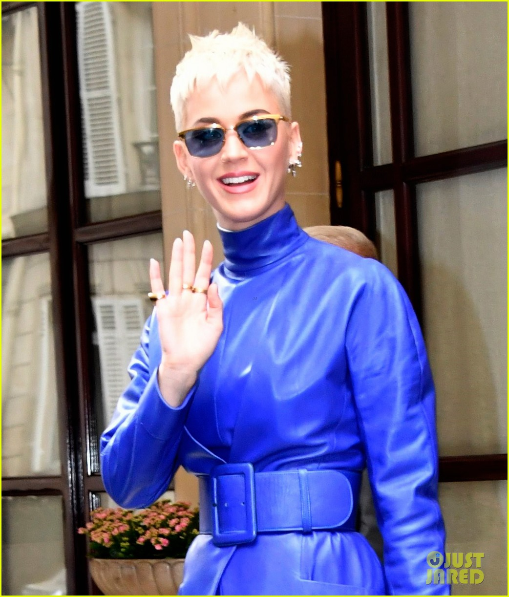katy perry blue leather dress paris 023908325