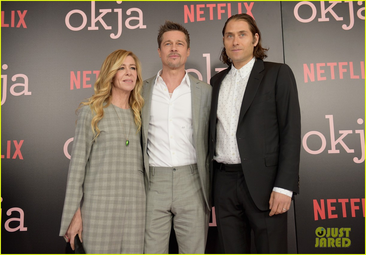 brad pitt gives out lots of hugs at okja nyc premiere 093911513