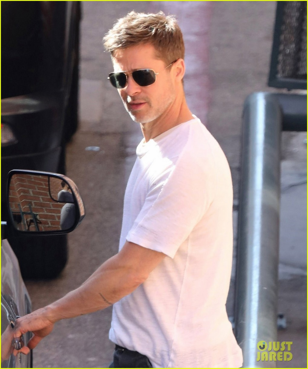 brad pitt wears a simple white tee while running errands 023915361