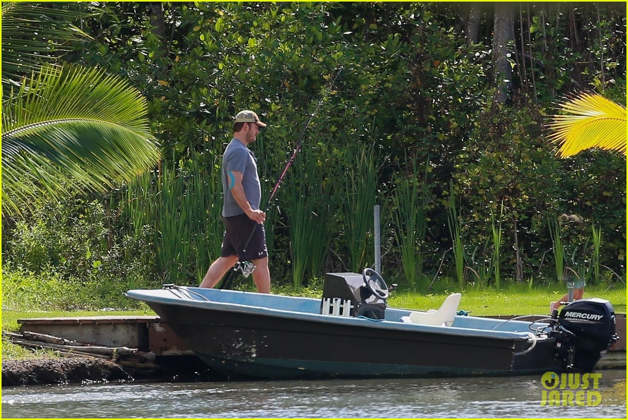 chris pratt goes fishing with his son 033921685