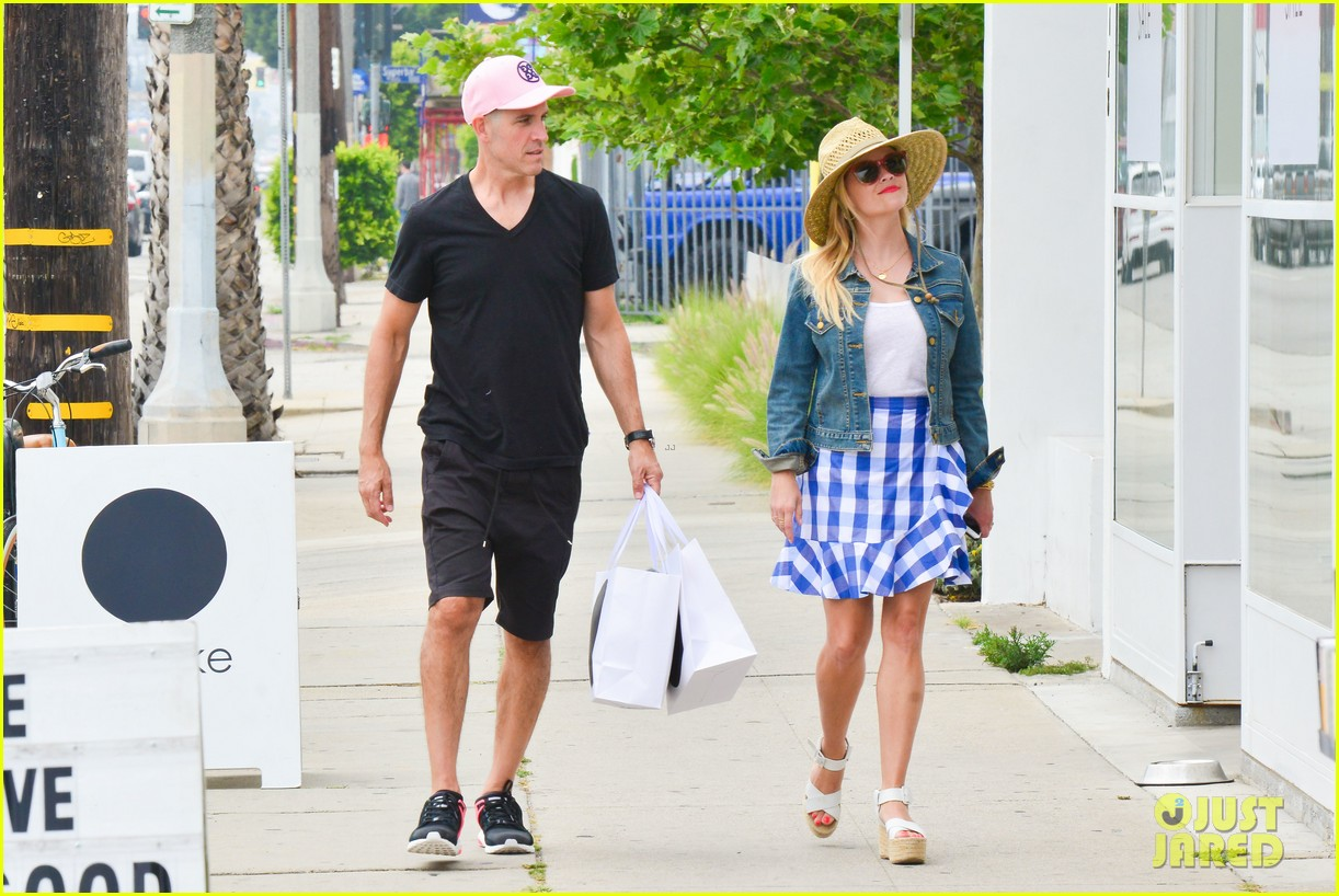 reese witherspoon jim toth lunch venice beach 093909115