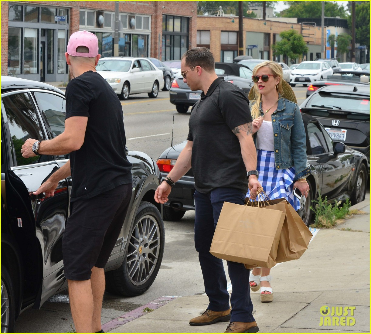 reese witherspoon jim toth lunch venice beach 163909122