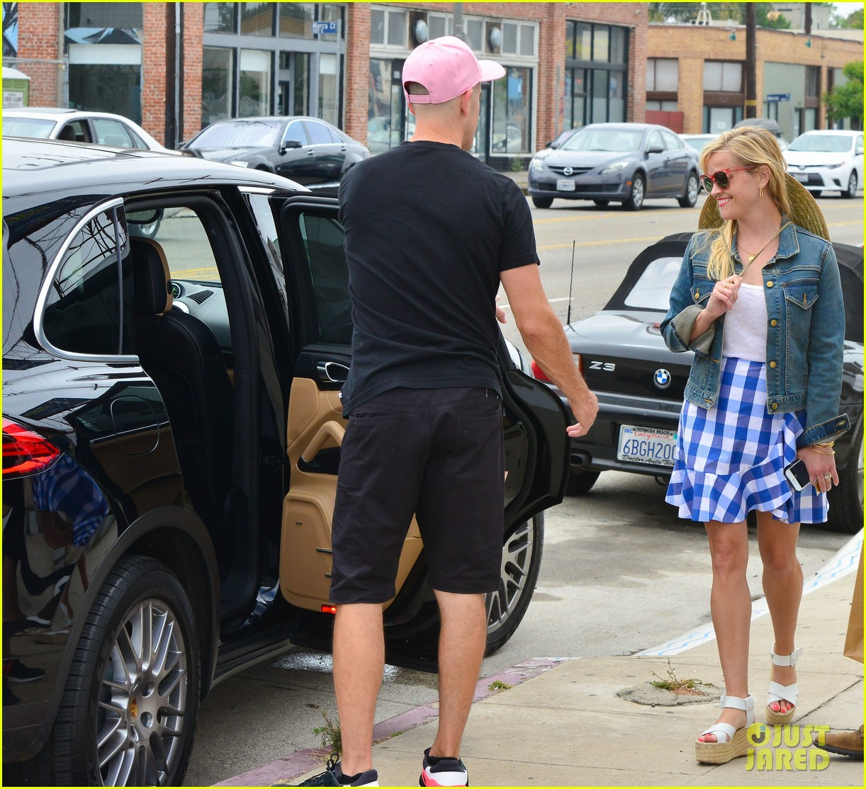reese witherspoon jim toth lunch venice beach 183909124