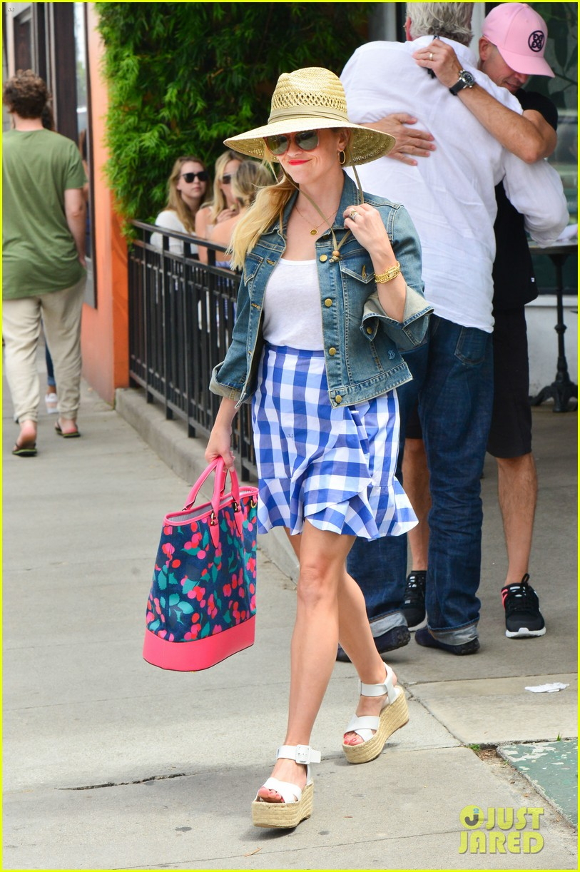 reese witherspoon jim toth lunch venice beach 203909126