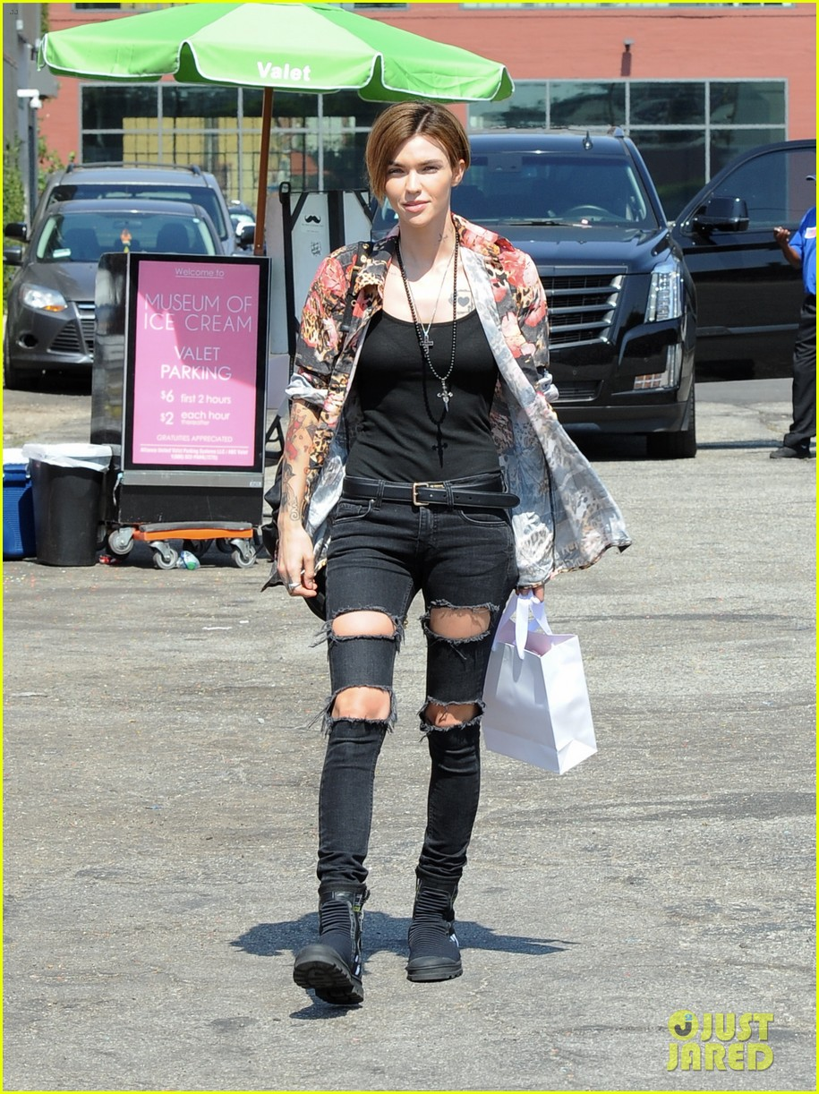 ruby rose spends the day at the museum of ice cream113919596