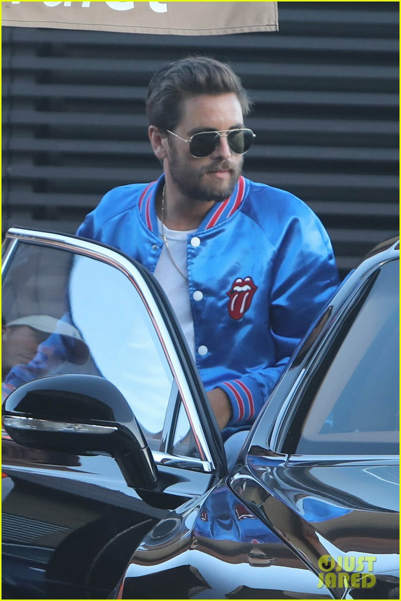 scott disick sofia richie grab dinner together 043912046