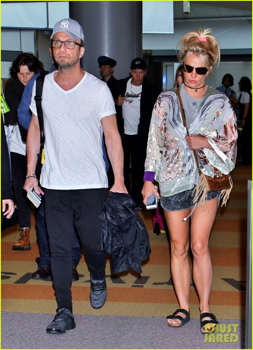 britney spears arrives in japan to kick off her asia tour 013907709