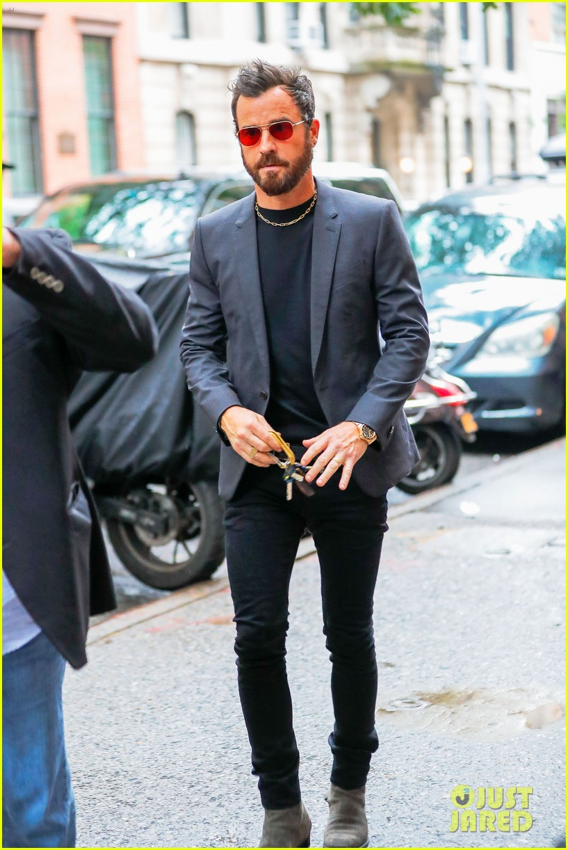 justin theroux reveals why jennifer aniston sometimes wont practice scripts with him 013907487