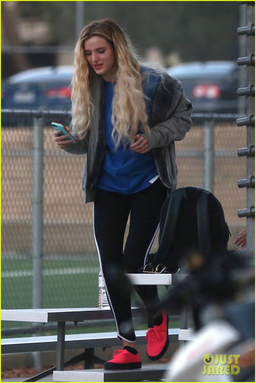 bella thorne cheers on gregg sulkin at soccer game 173908174