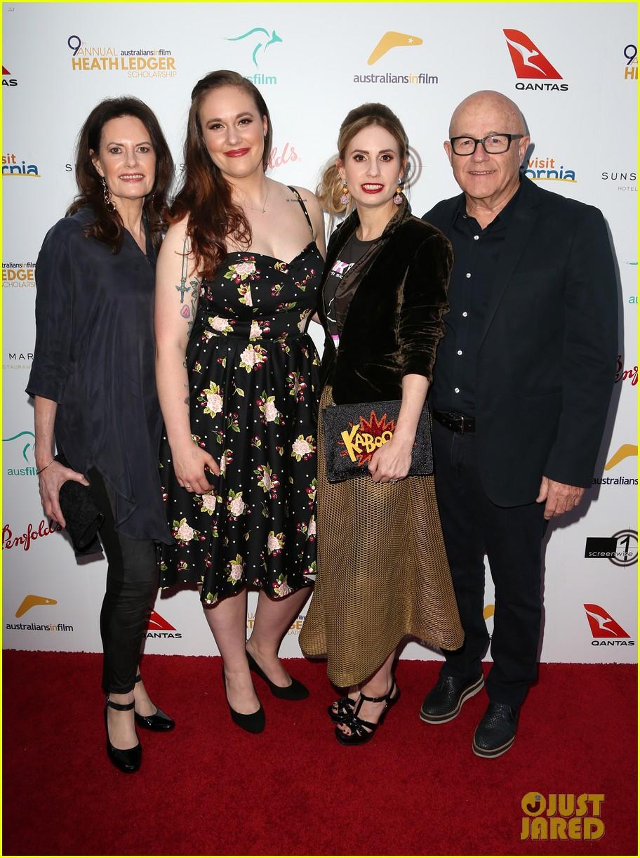 brenton thwaites joins heath ledgers family at australians in film scholarship dinner 033908121