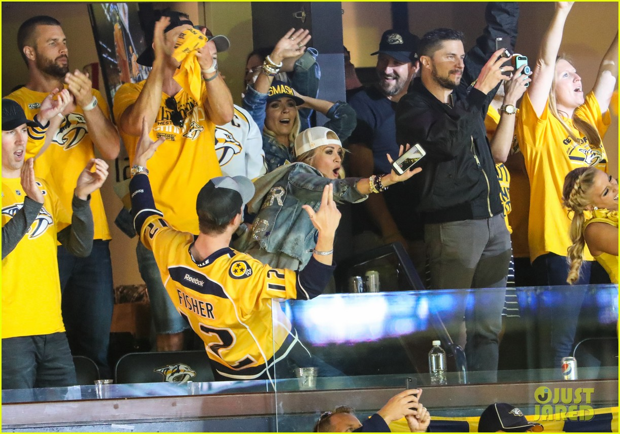 carrie underwood calls out refs during nhl finals game 023911491