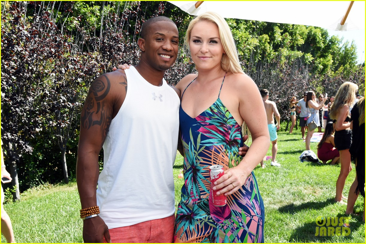 lindsey vonn boyfriend kenan smith couple up at a pool party 023916584