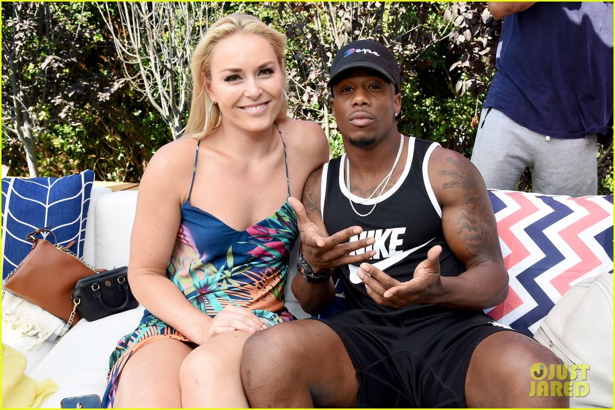 lindsey vonn boyfriend kenan smith couple up at a pool party 033916585