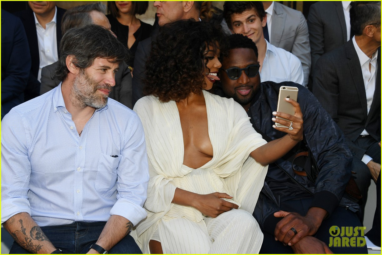 Dwyane Wade Amp Gabrielle Union Take A Silly Selfie At