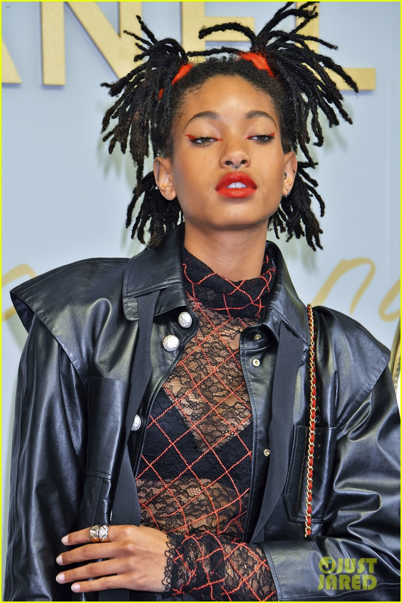 willow smith lily rose chanel tokyo 013907696