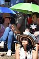 ben affleck and jennifer garner take their kids to fourth of july parade in brentwood 04