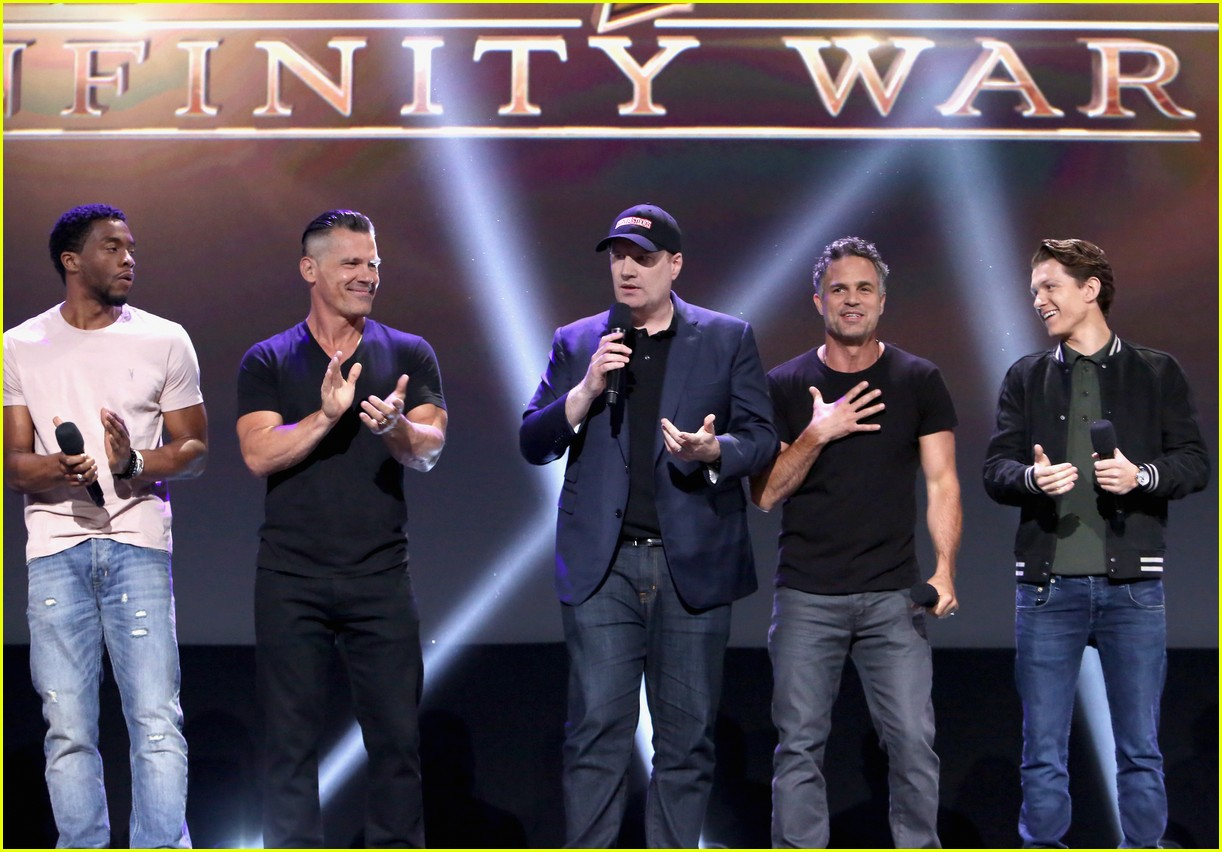 avengers assemble to debut infinity war footage at d23 143928596