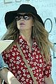 drew barrymore helps cameron diaz shop for new furniture 11