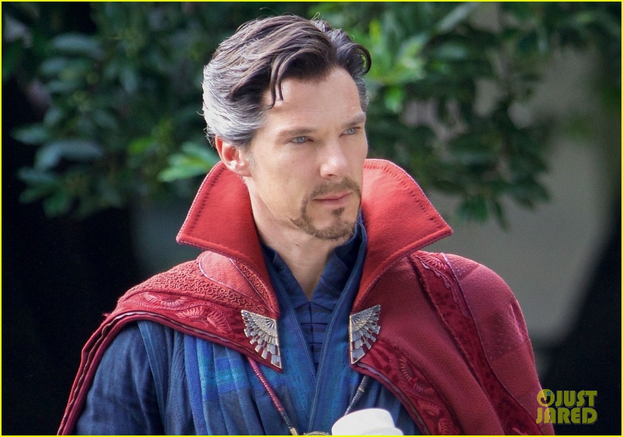 benedict cumberbatch hammers things out with paul rudd for 'avengers