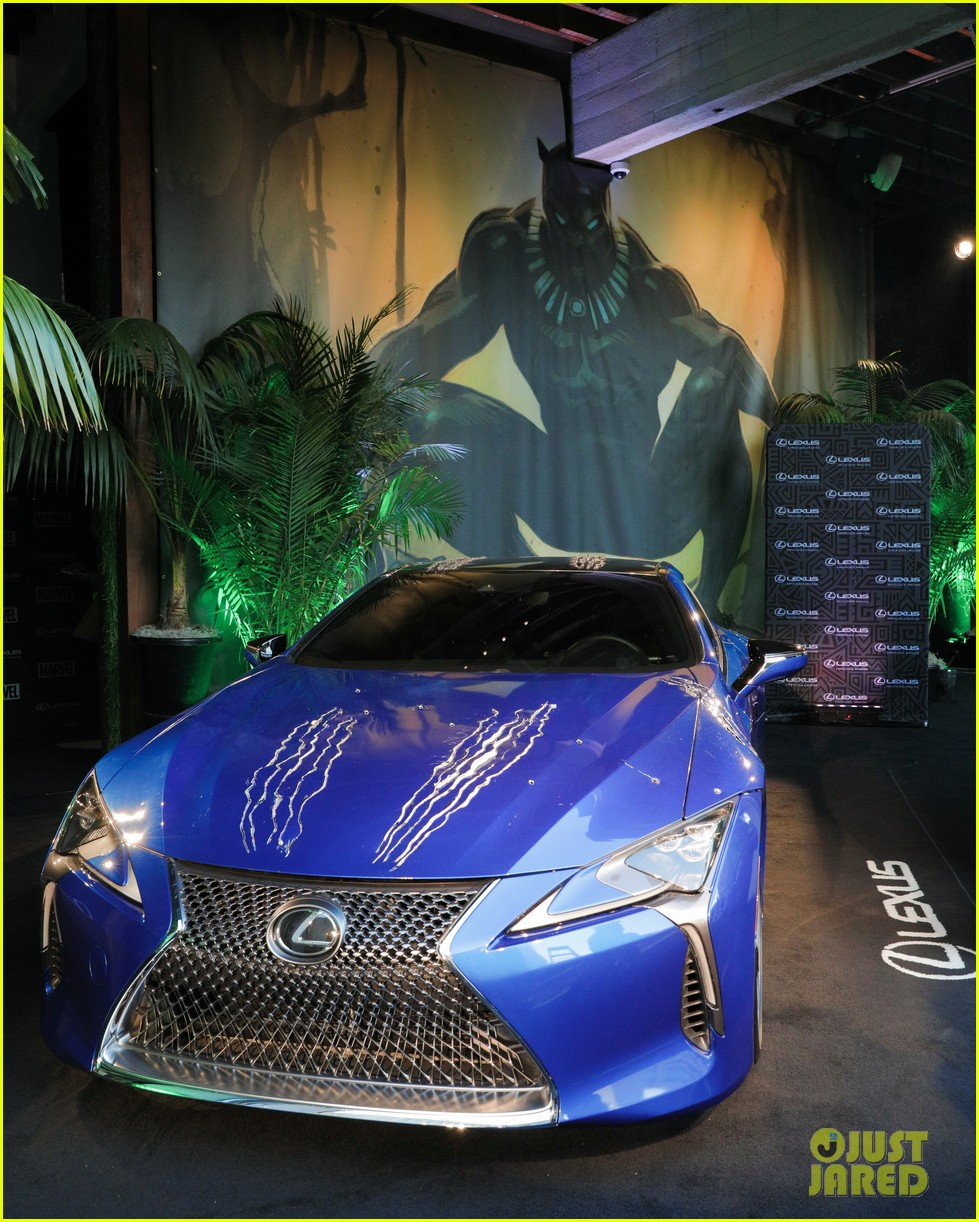 chadwick boseman reunites with black panther lexus at comic con 063931964