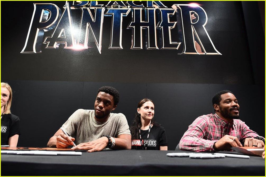 black panthers chadwick boseman meets fans at d23 expo 043928403