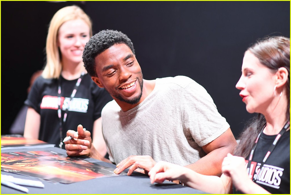 black panthers chadwick boseman meets fans at d23 expo 053928404
