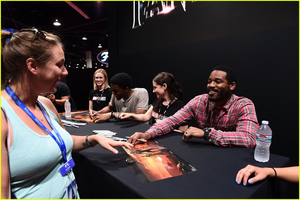black panthers chadwick boseman meets fans at d23 expo 063928405