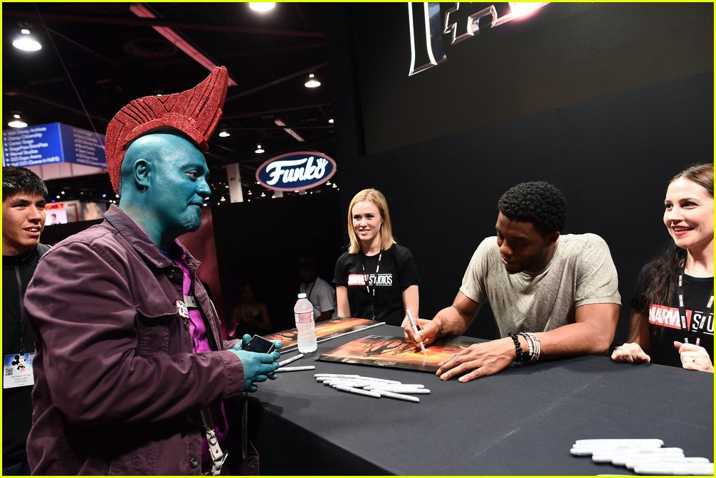 black panthers chadwick boseman meets fans at d23 expo 183928417