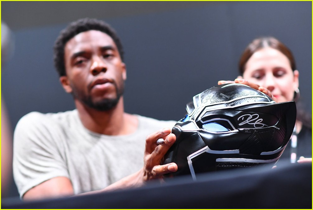 black panthers chadwick boseman meets fans at d23 expo 283928427