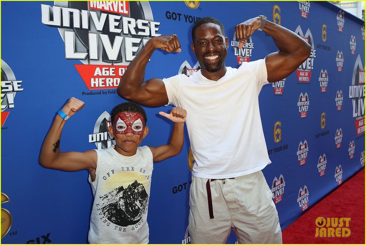 sterling k brown flexes huge biceps at marvel universe live 033925179