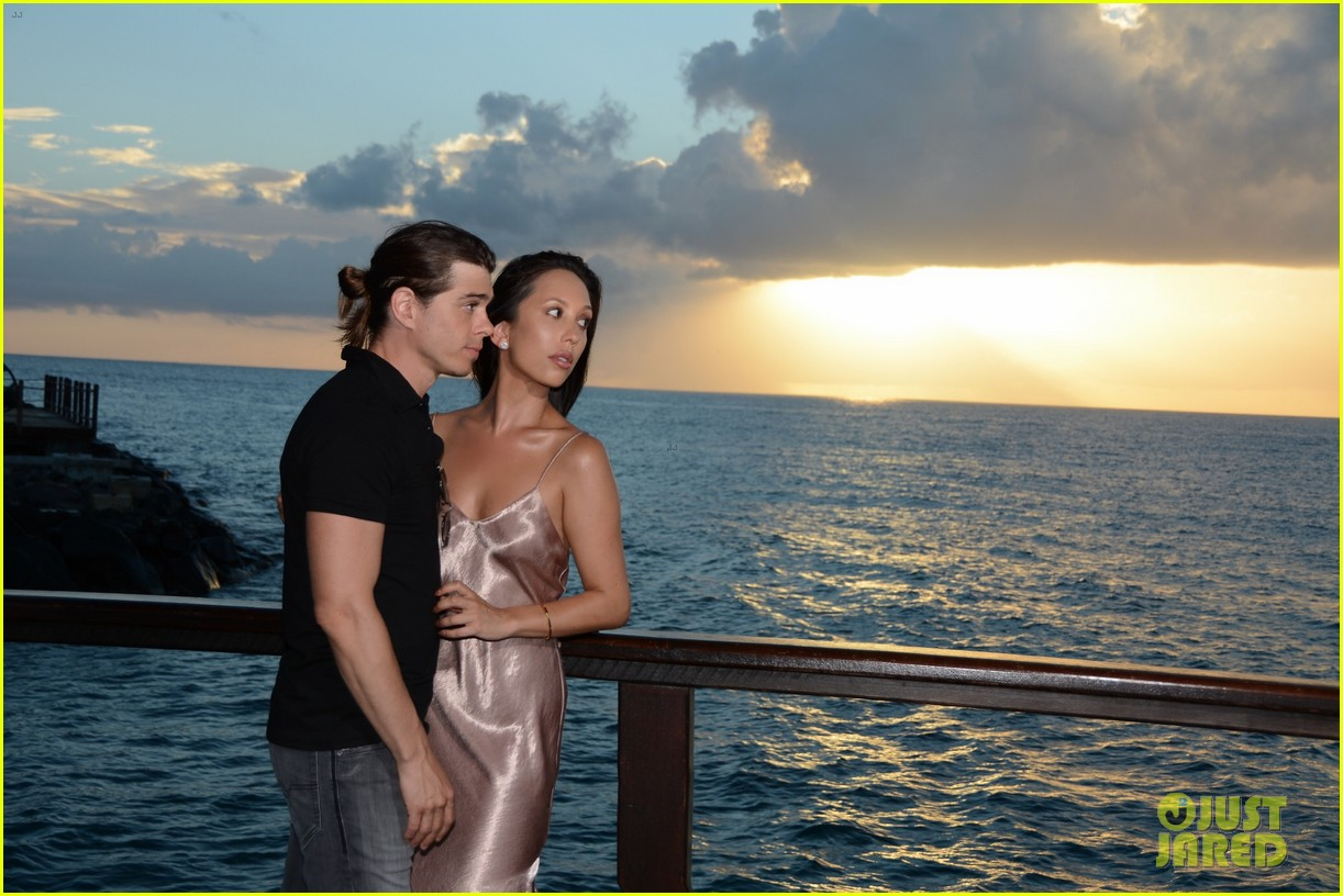 cheryl burke matthew lawrence make out on the beach 023933733