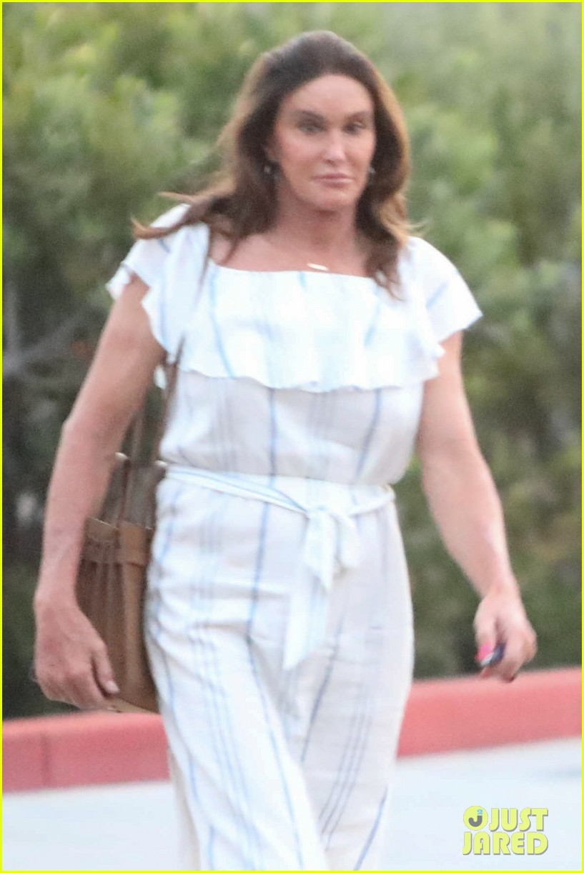 caitlyn jenner might run for senate 033929053