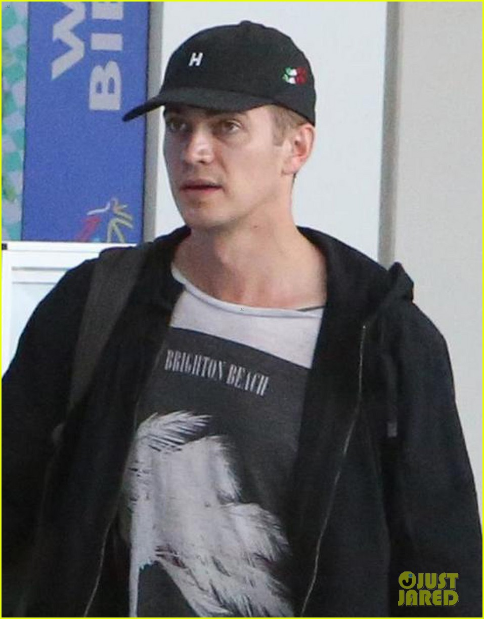 hayden christensen leaves toronto after wrapping little italy filming 033935232