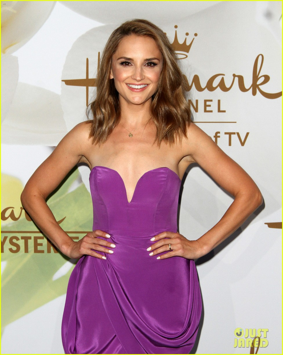 rachael leigh cook lacey chabert hallmark tca party 063935082
