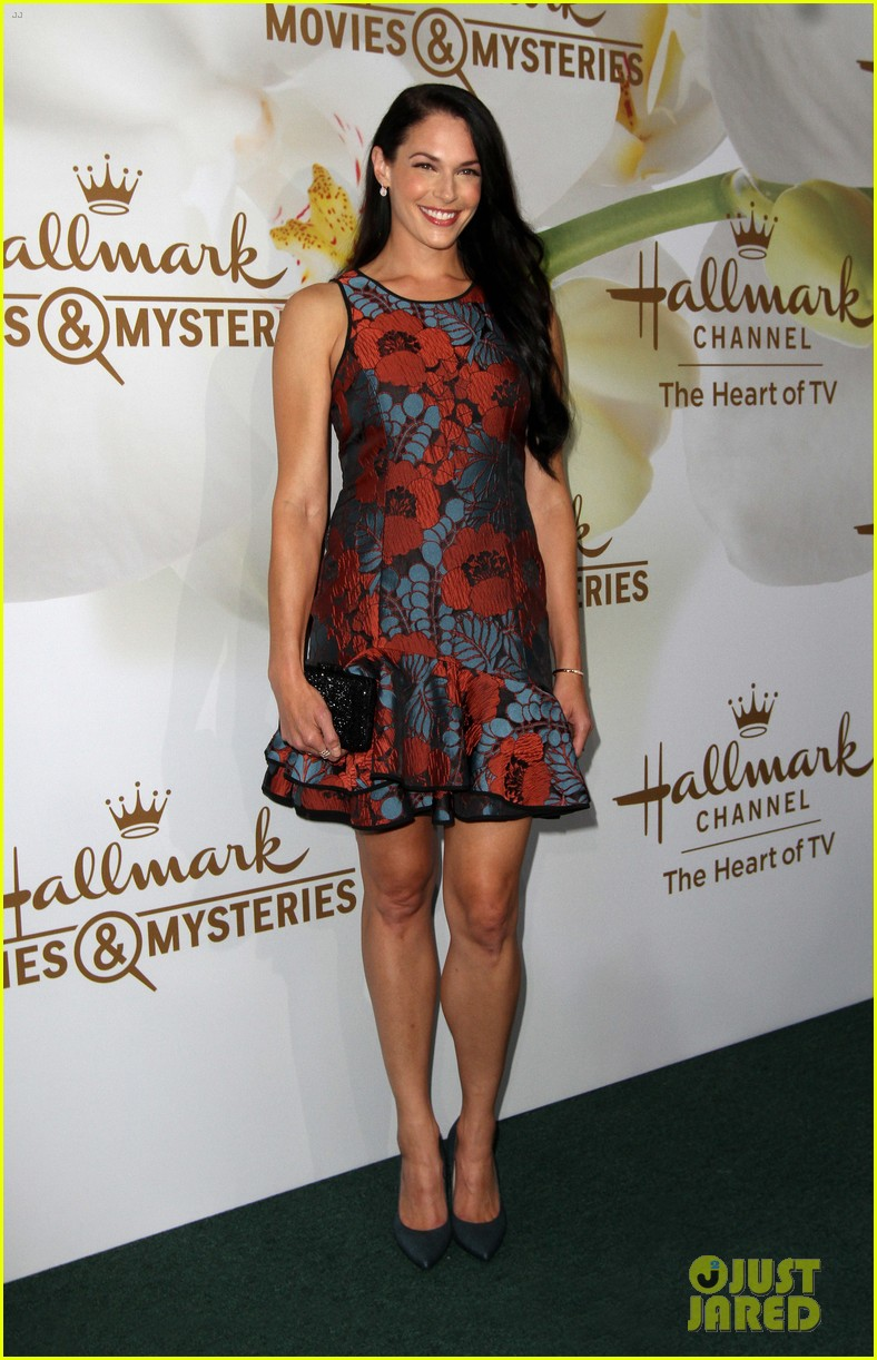 rachael leigh cook lacey chabert hallmark tca party 213935097
