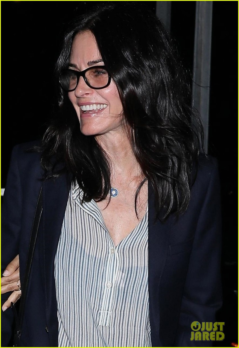 courteney cox grabs dinner with jennifer meyer in santa monica 023927258