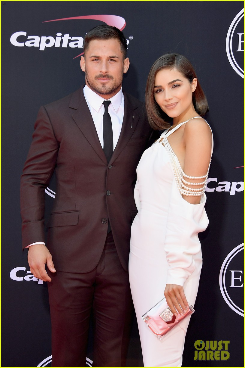 olivia culpo  u0026 boyfriend danny amendola join stephen curry